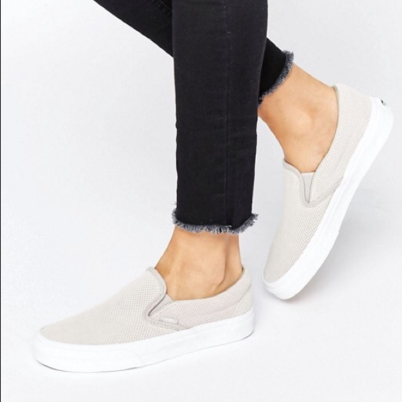 1889048214 Vans Classic Slip-On Perforated Suede Silver Cloud